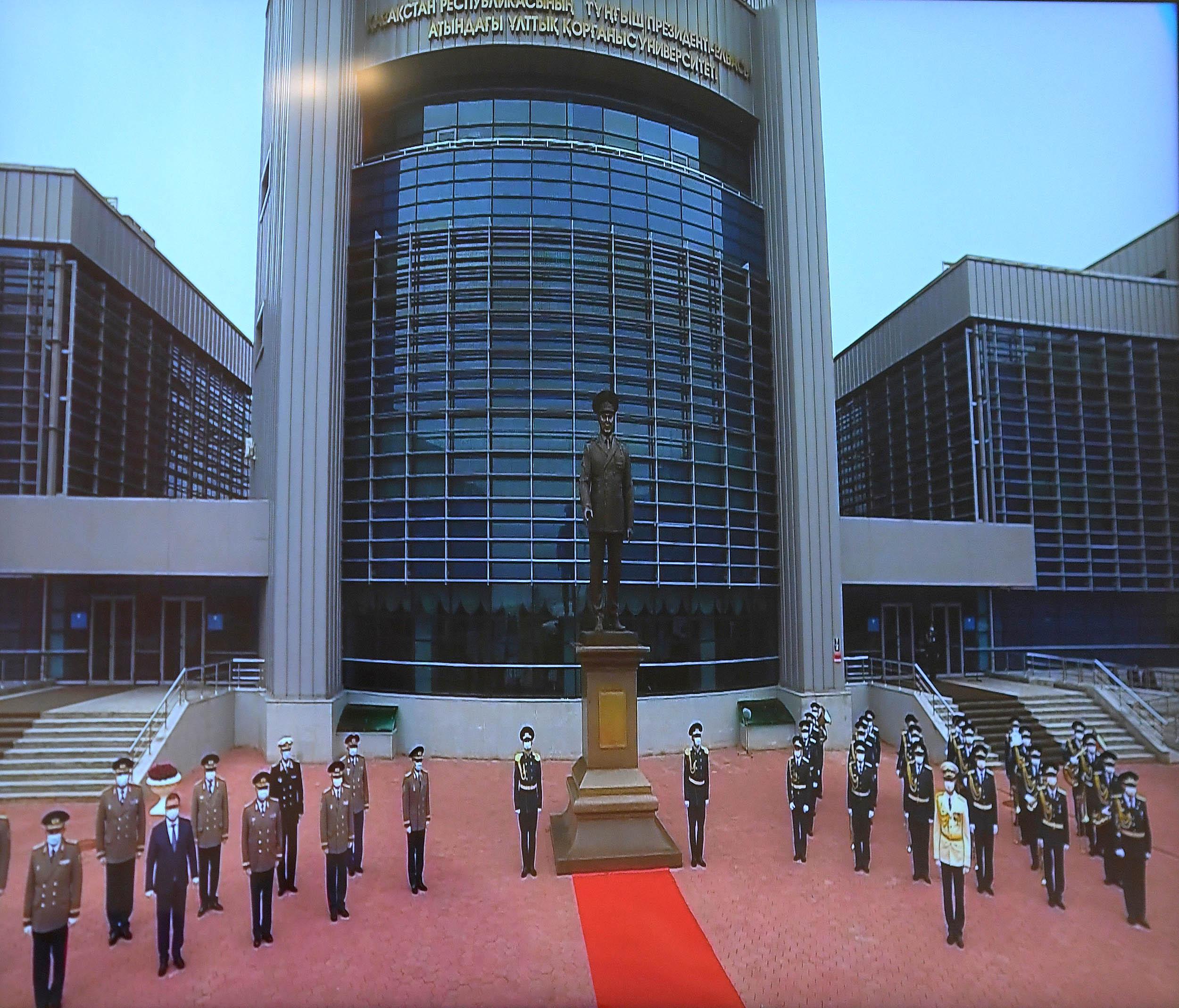 Глава государства принял участие в церемонии открытия монумента Первому Президенту – Елбасы Н.А.Назарбаеву